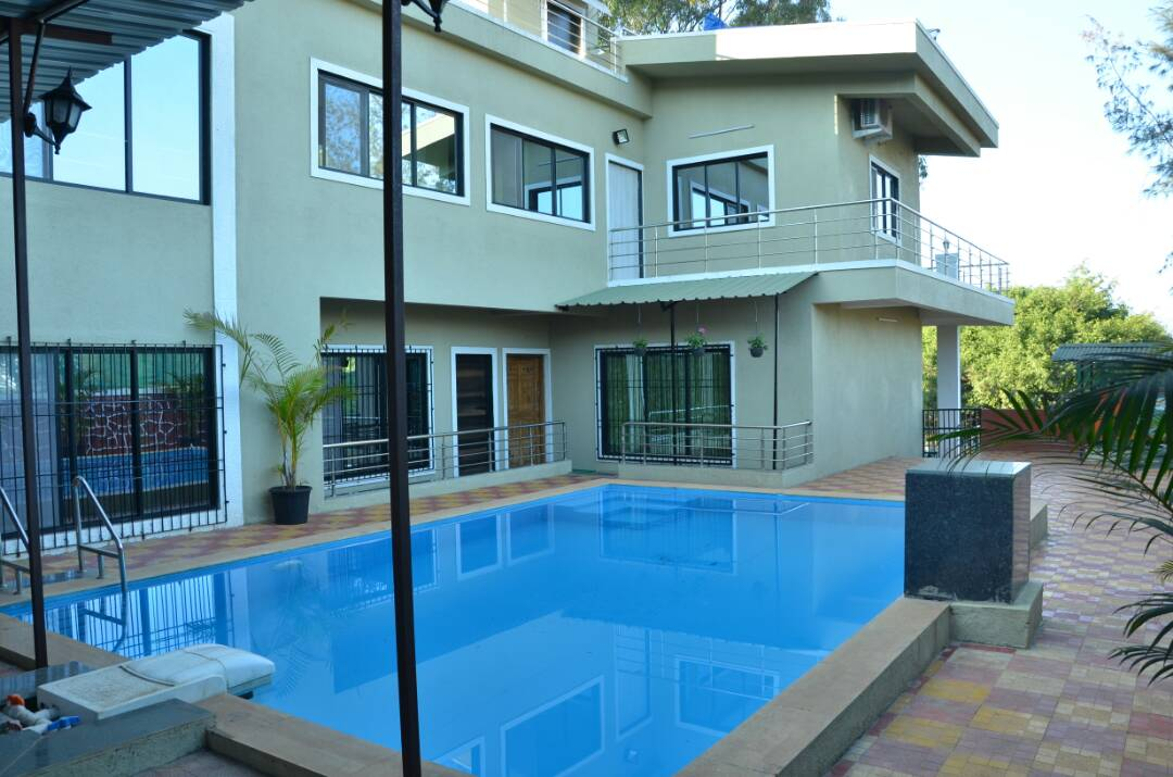 Fabulous 6BHK Bungalow with pool