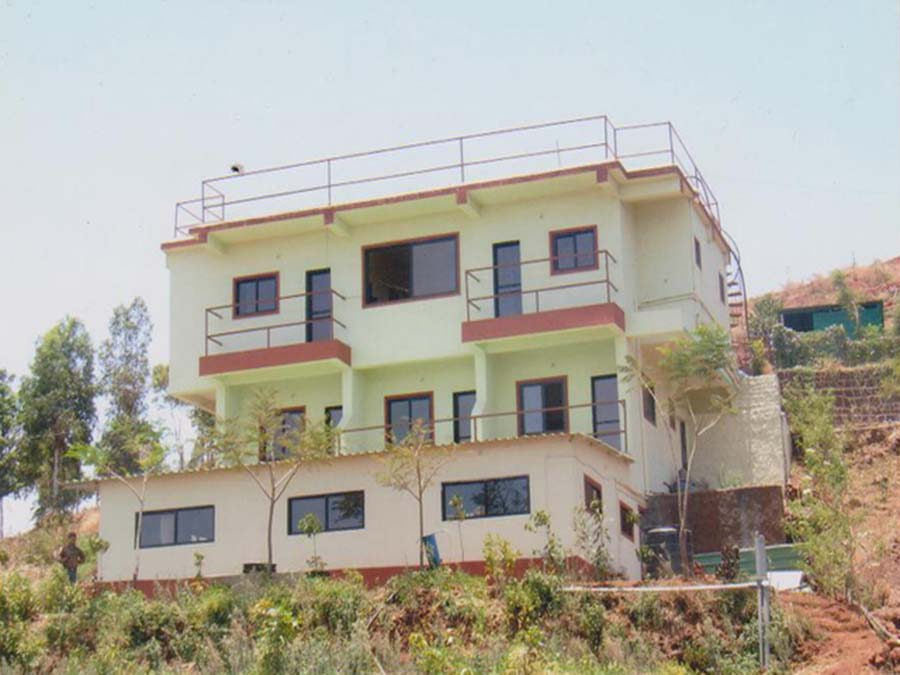 Hill-side 7BHK Bungalow