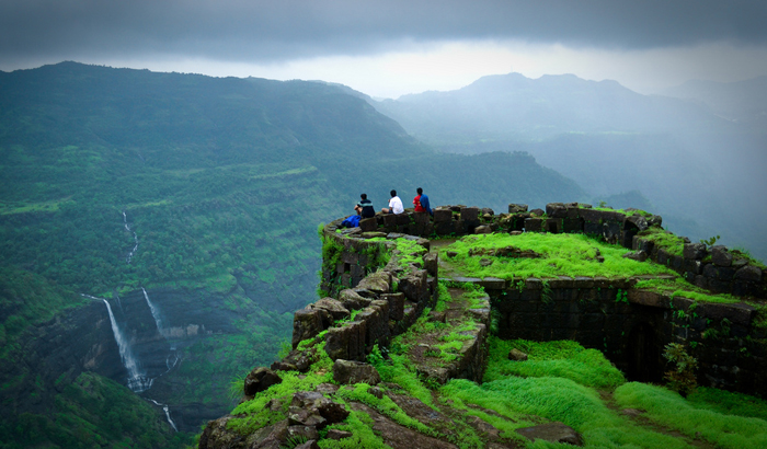 Avail 10% Discounts On All Hotel, Villas And Bungalows Bookings to Lonavala.