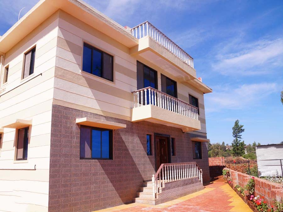 Dignified 8Bhk Bungalow